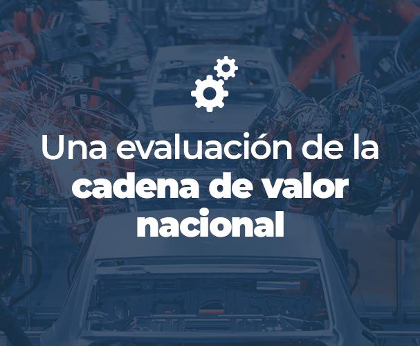 """Foto de una línea de producción automotriz con el título """"una evaluación de la cadena de valor nacional""""."""